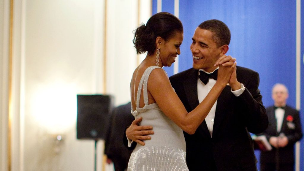 This White House handout photo shows US President Barack Obama and First Lady Michelle Obama dancing during the 2009 Nobel Banquet in the Hall of Mirrors at the Grand Hotel in Oslo, Norway, December 10, 2009. Official White House Photo by Pete Souza. / AFP PHOTO / WHITE HOUSE / Pete SOUZA