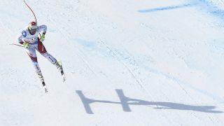 Switzerland's Beat Feuz competes in the men's downhill race at the 2017 FIS Alpine World Ski Championships in St Moritz on February 12, 2017. / AFP PHOTO / JOE KLAMAR