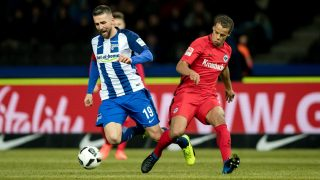 Berlin's Vedad Ibisevic (L) and Frankfurt's Timothy Chandler vie for the ball during theGerman Bundesliga soccer match between Hertha BSC and Eintracht Frankfurt in the Olympic Stadium in Berlin,Germany, 25 February 2017.   (EMBARGOCONDITIONS - ATTENTION - Due to the accreditation guidelines, the DFLonly permits the publication and utilisation of up to 15 pictures per match on the internet and in online media during the match) Photo: Thomas Eisenhuth/dpa