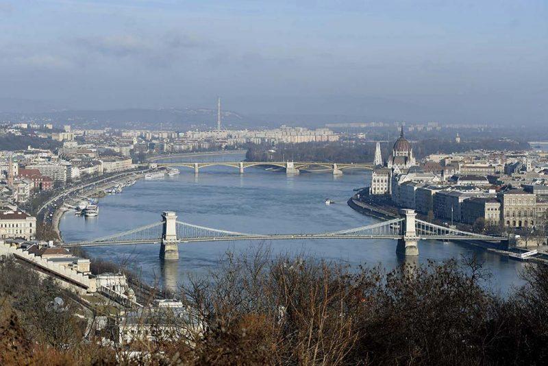 Budapest, 2017. január 3.Budapest a Gellérthegyről fényképezve 2017. január 3-án.MTI Fotó: Bruzák Noémi