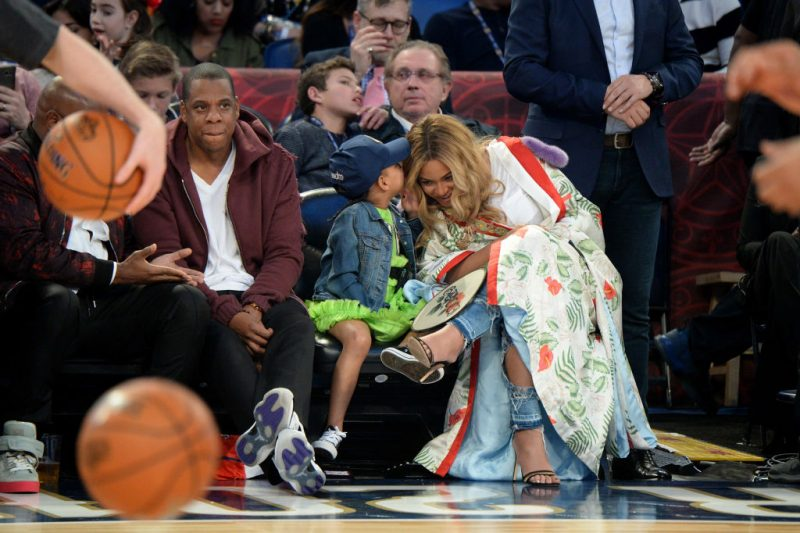 NEW ORLEANS, LA - FEBRUARY 19:  Jay Z, Blue Ivy Carter, Beyoncé Knowles attend the 66th NBA All-Star Game at Smoothie King Center on February 19, 2017 in New Orleans, Louisiana.  (Photo by Kevin Mazur/Getty Images)