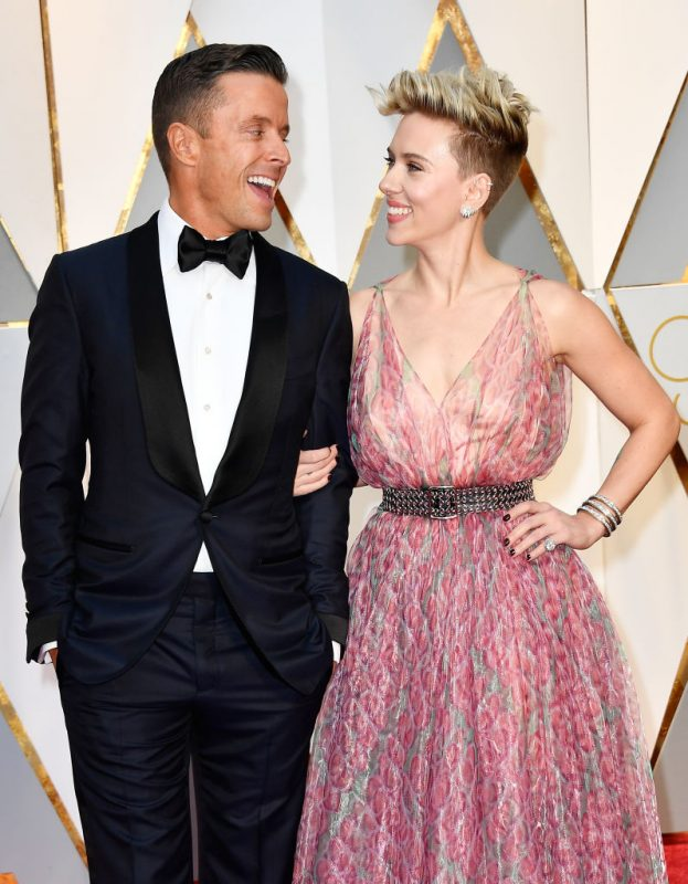 HOLLYWOOD, CA - FEBRUARY 26:  Joe Machota (L) and actor Scarlett Johansson attend the 89th Annual Academy Awards at Hollywood & Highland Center on February 26, 2017 in Hollywood, California.  (Photo by Frazer Harrison/Getty Images)