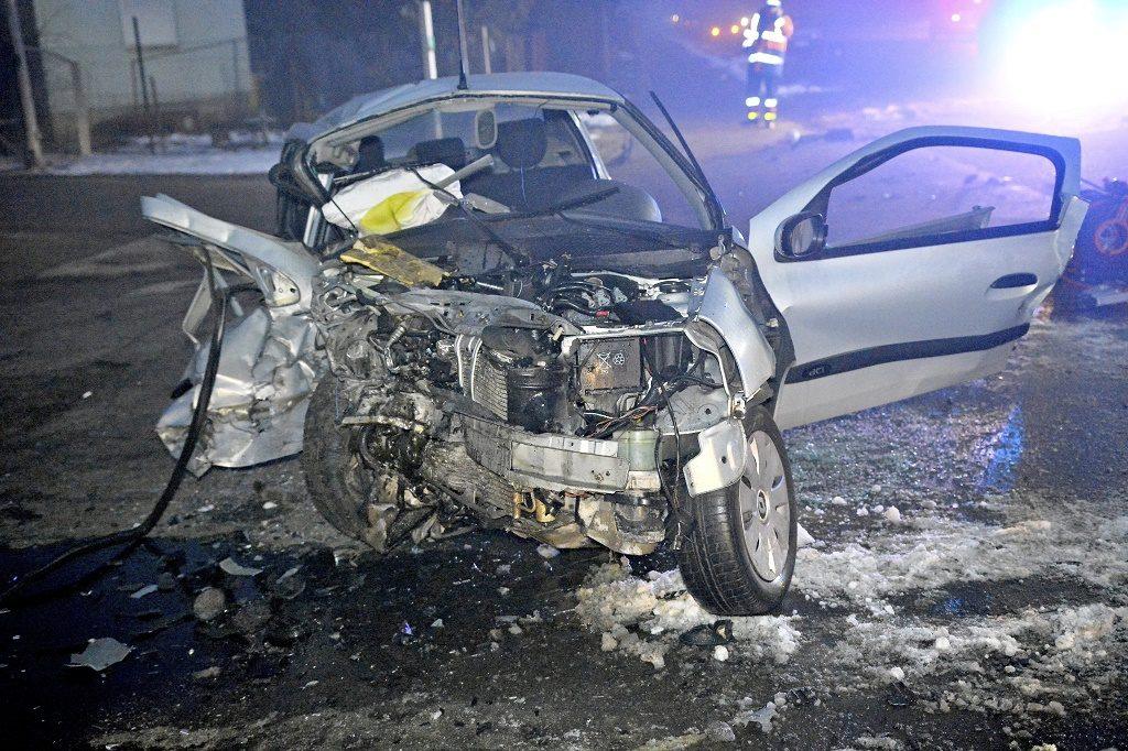 Nyíregyháza, 2017. február 17. Autóroncs Nyíregyházán, ahol meghalt egy ember, amikor két autó összeütközött 2017. február 17-én. MTI Fotó: Taipusz Attila