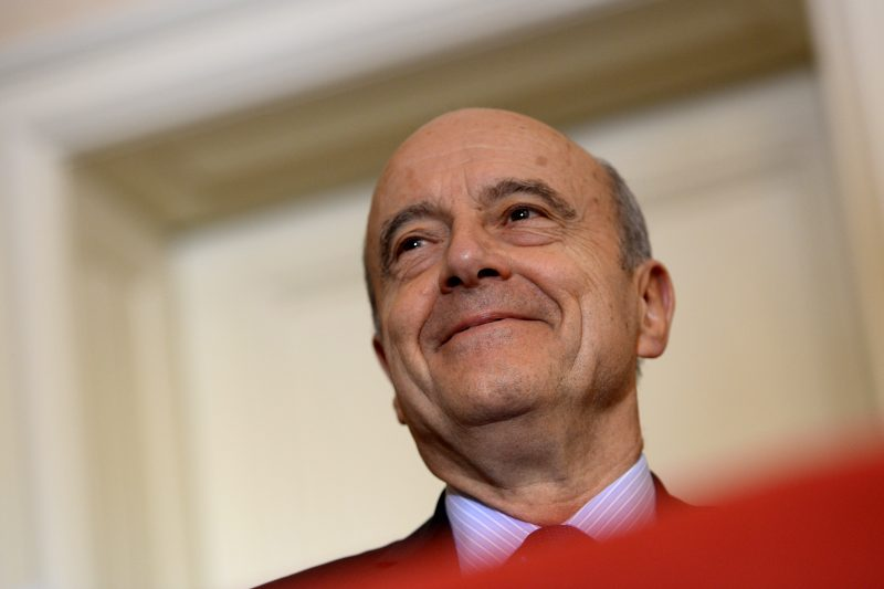 Bordeaux mayor Alain Juppe attends a ceremony for the signing of a contract between the French state and the Nouvelle Aquitaine region in Bordeaux on March 9, 2017. / AFP PHOTO / NICOLAS TUCAT