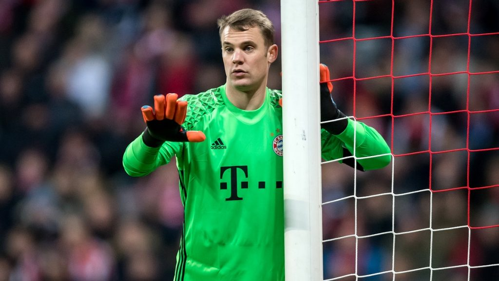 Bayern's Manuel Neuer in action during the DFB Cup quarter final match between Bayern Munich and FC Schalke 04 in the Allianz Arena in Munich, Germany, 01 March 2017. Munich won 3:0. Photo: Tobias Hase/dpa