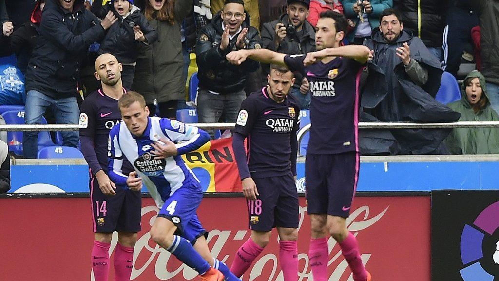 Deportivo La Coruna's midfielder Alex Bergantinos celebrates after scoring during the Spanish league football match RC Deportivo de la Coruna vs FC Barcelona at the Municipal de Riazor stadium in La Coruna on March 12, 2017. / AFP PHOTO / MIGUEL RIOPA