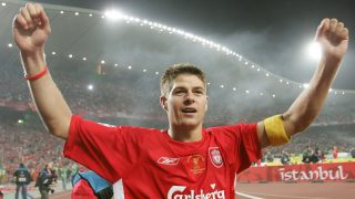 Liverpool's England's captain and midfielder Steven Gerrard greets supporters during the honour lap at the end of the UEFA Champions league football final AC Milan vs Liverpool, 25 May 2005 at the Ataturk Stadium in Istanbul.  Liverpool won 3-2 on penalties.  AFP PHOTO TARIK TINAZAY / AFP PHOTO / TARIK TINAZAY