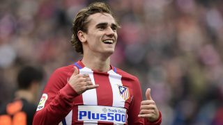Atletico Madrid's French forward Antoine Griezmann celebrates a goal during the Spanish league football match Club Atletico de Madrid vs Valencia CF at the Vicente Calderon stadium in Madrid on March 5, 2017. / AFP PHOTO / JAVIER SORIANO