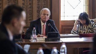 Budapest, 2017. március 14. Medgyessy Péter volt miniszterelnök az Európai Csalás Elleni Hivatal (OLAF) által a 4-es metró beruházásról készített jelentéssel kapcsolatban tartott meghallgatásán az Országgyûlés gazdasági bizottságának ülésén az Országházban 2017. március 14-én. MTI Fotó: Szigetváry Zsolt