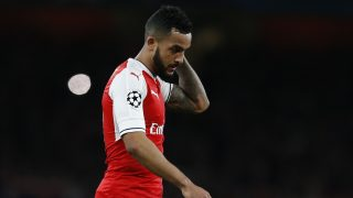 Arsenal's English midfielder Theo Walcott leaves the pitch after losing 5-1 during the UEFA Champions League last 16 second leg football match between Arsenal and Bayern Munich at The Emirates Stadium in London on March 7, 2017. / AFP PHOTO / IKIMAGES / Ian KINGTON