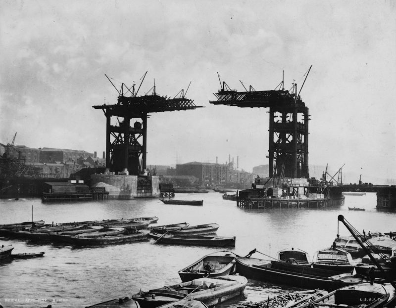 The construction of Tower Bridge, London, which was completed in 1894.   (Photo by London Stereoscopic Company/Getty Images)