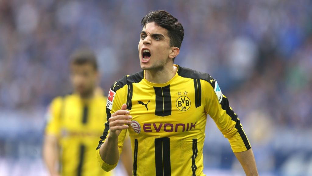 Marc Bartra from Dortmund screams at the players during the German Bundesliga soccer match between FC Schalke 04 and Borussia Dortmund in the in Veltins Arena, Gelsenkirchen, Germany, 01 April 2017.   (EMBARGO CONDITIONS - ATTENTION: Due to the accreditation guidelines, the DFL only permits the publication and utilisation of up to 15 pictures per match on the internet and in online media during the match.) Photo: Ina Fassbender/dpa