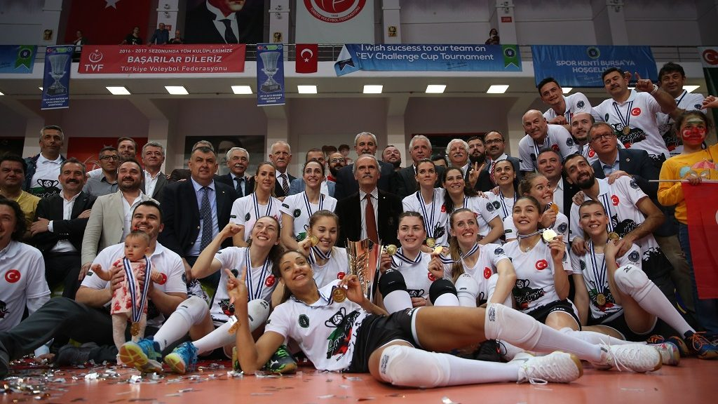 BURSA, TURKEY - APRIL 15 : Players of Bursa Buyuksehir Belediyespor pose for a photo after winning the CEV Women's Volleyball Challenge Cup final match between Bursa Buyuksehir Belediyespor and Olympiacos at TVF Cengiz Gollu Volleyball hall in Bursa, Turkey on April 15, 2017. BBSK won the cup, after losing the first leg final match 3 to 2 and winning the second game 3 to 0. Ali Atmaca / Anadolu Agency