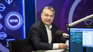 Budapest, 2017. április 28. Orbán Viktor miniszterelnök interjút ad a 180 perc címû mûsorban a Kossuth rádió stúdiójában 2017. április 28-án. MTI Fotó: Mohai Balázs