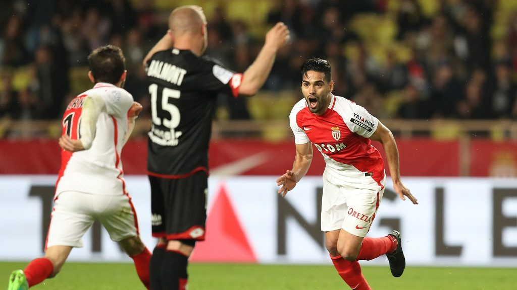 Monaco's Colombian forward Radamel Falcao celebrates after scoring a goal during the French L1 football match Monaco (ASM) vs Dijon (DFCO) on April 15, 2017 at the Louis II Stadium in Monaco. / AFP PHOTO / VALERY HACHE