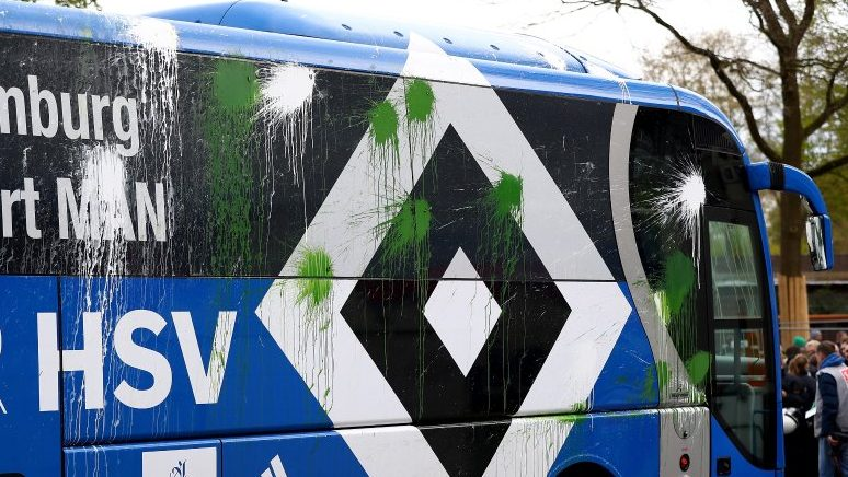 BREMEN, GERMANY - APRIL 16:  The team bus of Hamburg is pictured before the Bundesliga match between Werder Bremen and Hamburger SV at Weserstadion on April 16, 2017 in Bremen, Germany.  (Photo by Martin Rose/Bongarts/Getty Images)