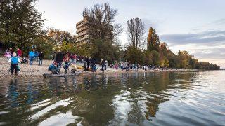 Budapest, 2016. október 9.A római-parti fákért tüntető civilek Budapesten 2016. október 9-én. A civilek azt követelik a döntéshozóktól, hogy a természeti értékek, a fák és föveny megtartása mellett újítsák meg a Római-partot.MTI Fotó: Mohai Balázs