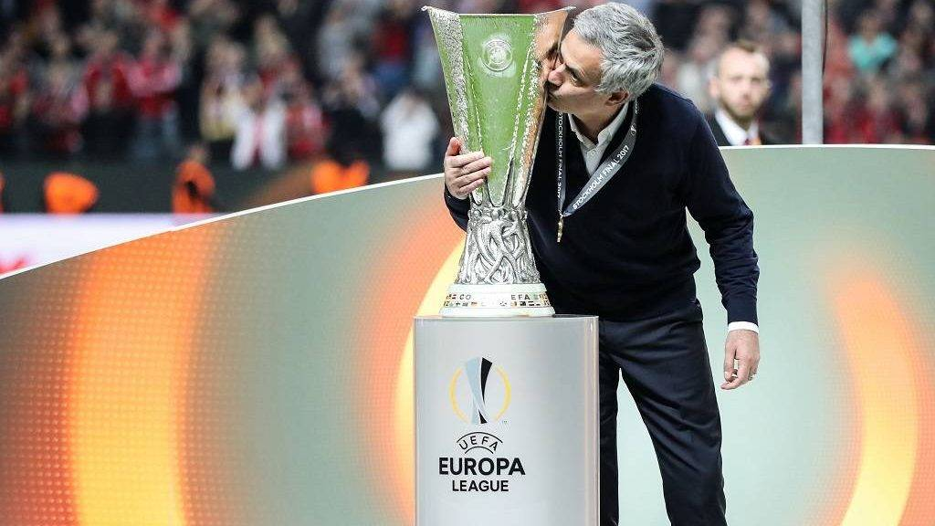 STOCKHOLM, SWEDEN - MAY 24: Coach Jose Mourinho of Manchester United kisses the trophy as he celebrates after the UEFA Europa League Final match between Ajax and Manchester United at Friends Arena in Stockholm, Sweden on May 24, 2017.