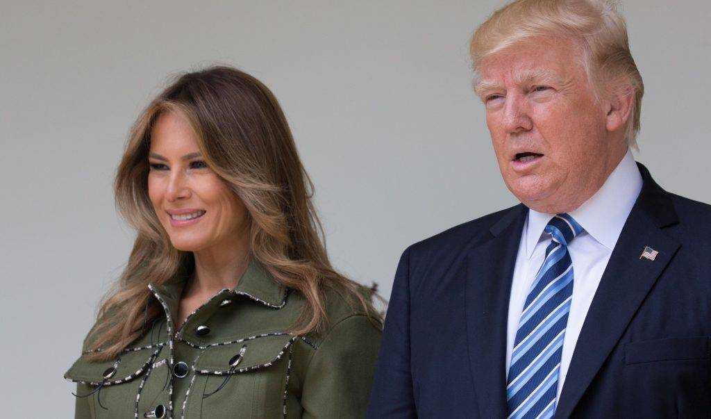 (l-r), First Lady Melania Trump, President Donald Trump, and President Mauricio Macri stop to pose for a photo in the West Wing Colonnade of the White House in Washington, DC, on Thursday, April 27, 2017. (Photo by Cheriss May/NurPhoto)