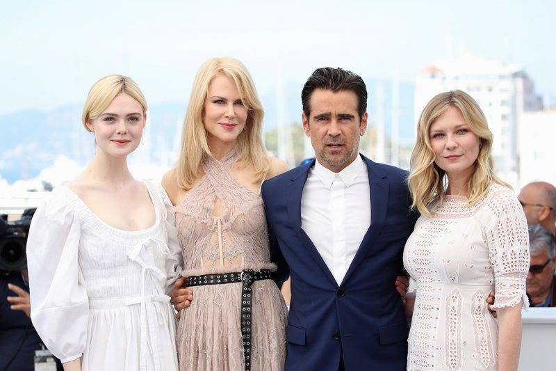 """CANNES, FRANCE - MAY 24:  (L-R) Elle Fanning, Colin Farrell, Nicole Kidman and Kirsten Dunst attend """"The Beguiled"""" photocall during the 70th annual Cannes Film Festival at Palais des Festivals on May 24, 2017 in Cannes, France.  (Photo by Chris Jackson/Getty Images)"""