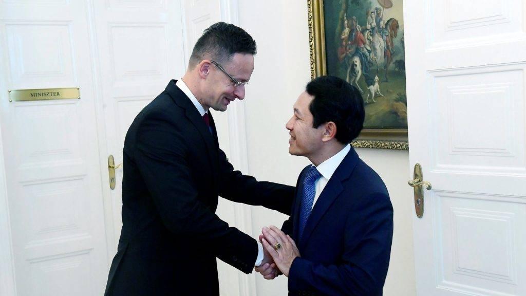 Szijjártó Péter fogadta a laoszi külügyminisztert