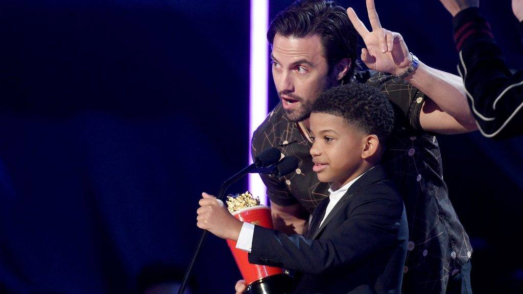 LOS ANGELES, CA - MAY 07:  Actors Milo Ventimiglia (L) and Lonnie Chavis accept the Tearjerker award for 'This Is Us' onstage during the 2017 MTV Movie And TV Awards at The Shrine Auditorium on May 7, 2017 in Los Angeles, California.  (Photo by Kevork Djansezian/Getty Images)