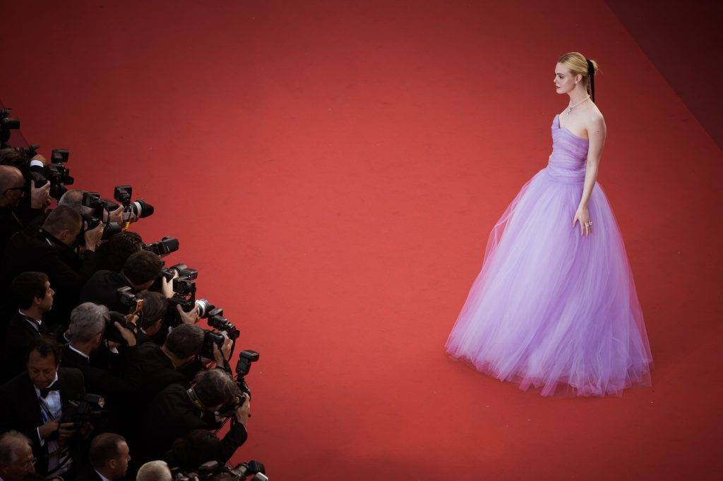"""CANNES, FRANCE - MAY 24:  (EDITORS NOTE : this image has been processed with digital filters) Elle Fanning attends the """"The Beguiled"""" screening during the 70th annual Cannes Film Festival at Palais des Festivals on May 24, 2017 in Cannes, France.  (Photo by Francois Durand/Getty Images)"""
