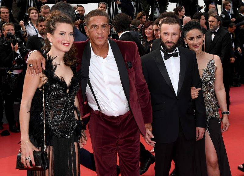 """CANNES, FRANCE - MAY 25:  Actor Samy Naceri (red jacket) attends the """"Twin Peaks"""" screening during the 70th annual Cannes Film Festival at Palais des Festivals on May 25, 2017 in Cannes, France.  (Photo by Matthias Nareyek/Getty Images)"""