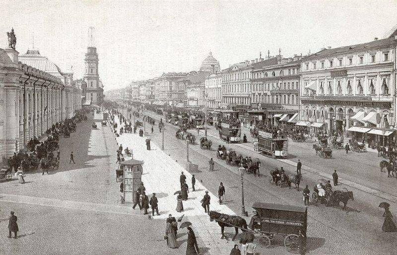 Nevsky Prospekt, the main street in St Petersburg, circa 1900. (Photo by Hulton Archive/Getty Images)