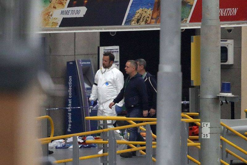 MANCHESTER, ENGLAND - MAY 23:  Police forensic officers investigate the scene of an explosion at Victoria Station on May 23, 2017 in Manchester, England.  An explosion occurred at Manchester Arena as concert goers were leaving the venue after Ariana Grande had performed.  Greater Manchester Police are treating the explosion as a terrorist attack and have confirmed 22 fatalities and 59 injured.  (Photo by Christopher Furlong/Getty Images)