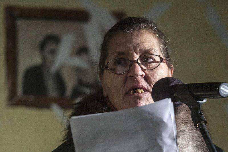 Budapest, 2012. december 21.Lakatosné, Jutka aktivista beszél a Kossuth téren, ahol résztvevők a lakhatáshoz való jogért és a hajléktalanság kriminalizációja ellen tüntetnek a Város Mindenkié csoport demonstrációján 2012. december 21-én.MTI Fotó: Szigetváry Zsolt