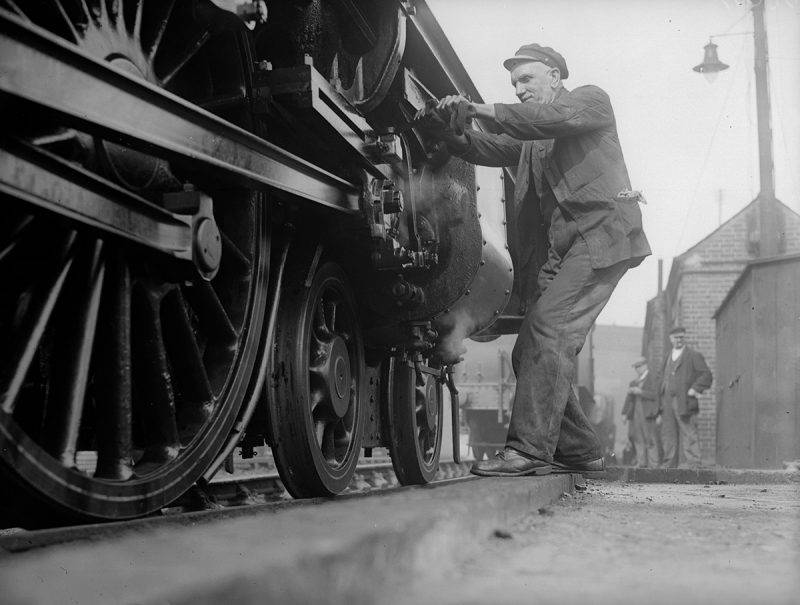 17th March 1931:  A railway engine at King's Cross Station in London.  (Photo by Fox Photos/Getty Images)