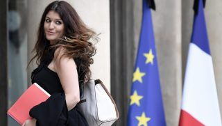 French Minister of State for Gender Equality Marlene Schiappa arrives to attend the weekly cabinet meeting on May 24, 2017 at the Elysee Palace in Paris. / AFP PHOTO / STEPHANE DE SAKUTIN