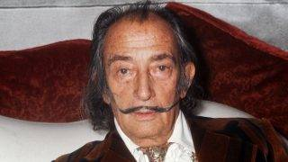 (FILES) This file photo taken on December 13, 1972 shows Spanish artist Salvador Dali in Paris. Spain court orders on June 26, 2017 exhumation of Dali's remains in paternity claim. / AFP PHOTO / STF