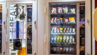Drink and treats dispender machine in a private hospital.  Clinique Francheville   BURGER/PHANIE
