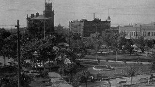 The Federal Building and Hotel Sheldon from across the park in downtown El Paso, Texas, ca. 1902.   (Photo by Detroit Photographic Company/Library of Congress/Corbis/VCG via Getty Images)