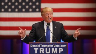DES MOINES, IA - JANUARY 28:  Republican presidential candidate Donald Trump speaks to veterans at Drake University on January 28, 2016 in Des Moines, Iowa. Donald Trump held his alternative event to benefit veterans after withdrawing from the televised Fox News/Google  GOP debate  which airs at the same time.  (Photo by Christopher Furlong/Getty Images)