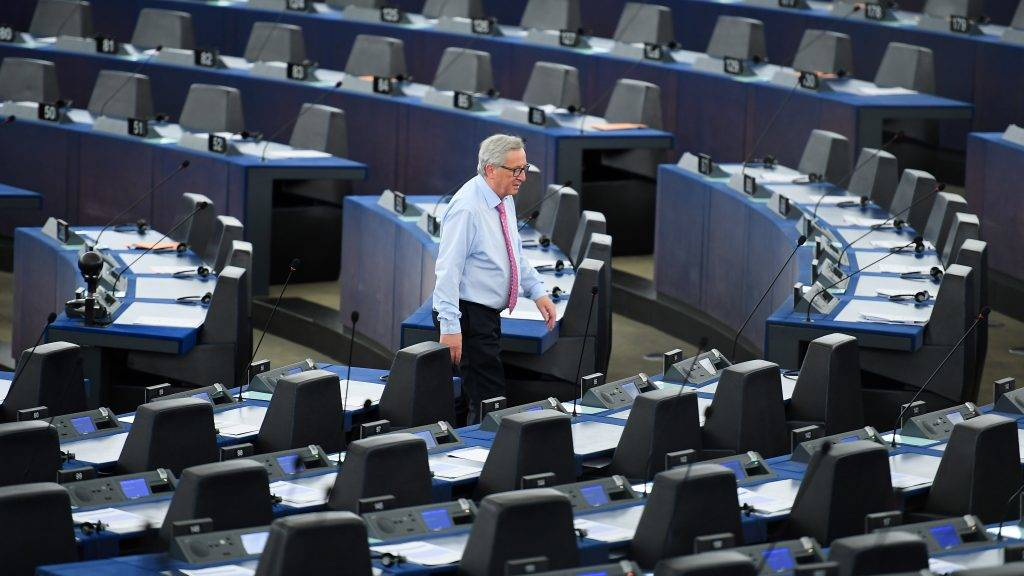 (FILES) This file photo taken on May 17, 2017 shows EU Commission president Jean-Claude Juncker walking through the Chamber before a debate on the conclusions of the last European Council, at the European Parliament in Strasbourg, eastern France. / AFP PHOTO / PATRICK HERTZOG