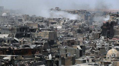 A picture taken on July 9, 2017, shows a general view of the destruction in Mosul's Old City. Iraq will announce imminently a final victory in the nearly nine-month offensive to retake Mosul from jihadists, a US general said Saturday, as celebrations broke out among police forces in the city. / AFP PHOTO / AHMAD AL-RUBAYE