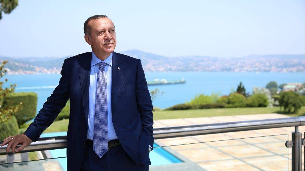 """ISTANBUL, TURKEY - JULY 03: (----EDITORIAL USE ONLY – MANDATORY CREDIT - """" TURKISH PRESIDENCY / MURAT CETINMUHURDAR / HANDOUT"""" - NO MARKETING NO ADVERTISING CAMPAIGNS - DISTRIBUTED AS A SERVICE TO CLIENTS----) President of Turkey and ruling Justice and Development (AK) Party chairman Recep Tayyip Erdogan poses for a photo at Tarabya Presidential Residence in Istanbul, Turkey on July 03, 2017. Turkish Presidency / Murat Cetinmuhurdar / Anadolu Agency"""