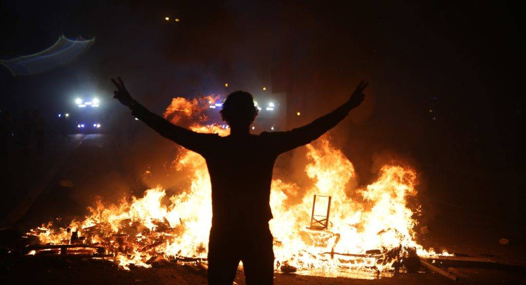 Evening demonstration turned violent with police and and G20 demonstrators battling in the streets of Hamburg, Germany on Jul. 7, 2017 /