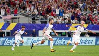 ARLINGTON, TX - JULY 22: Clint Dempsey #28 of United States celebrates with Graham Zusi #19 of United States and Michael Bradley #26 of United States after scoring against Costa Rica during the 2017 CONCACAF Gold Cup Semifinal at AT&T Stadium on July 22, 2017 in Arlington, Texas.  (Photo by Tom Pennington/Getty Images)