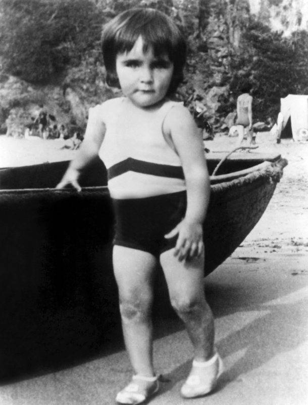 UNSPECIFIED - JUNE 06:  American actress Liz Taylor as a child, 1934  (Photo by Apic/Getty Images)