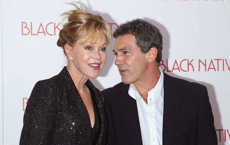 """NEW YORK, NY - NOVEMBER 18:  Actors Melanie Griffith and Antonio Banderas attend the """"Black Nativity"""" premiere at The Apollo Theater on November 18, 2013 in New York City.  (Photo by Jim Spellman/WireImage)"""