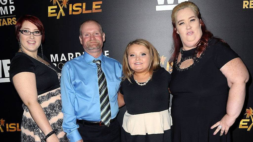 HOLLYWOOD, CA - NOVEMBER 19:  (L-R) TV personalities Lauryn 'Pumpkin'  Thompson, Mike 'Sugar Bear' Thompson, Alana 'Honey Boo Boo' Thompson and June 'Mama June' Shannon attend We tv's celebration of the premieres of 'Marriage Boot Camp Reality Stars' and 'Ex-isled' at Le Jardin on November 19, 2015 in Hollywood, California.  (Photo by David Livingston/Getty Images)