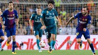 BARCELONA, SPAIN - AUGUST 13: Isco Alarcon of Real Madrid (C) in action during the Supercopa de Espana Final 1st Leg match between FC Barcelona and Real Madrid at Camp Nou on August 13, 2017 in Barcelona, Spain. (Photo by Marcio Rodrigo Machado/Power Sport Images/Getty Images,)