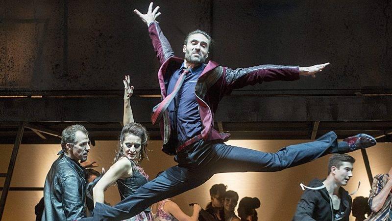 Budapest, 2015. szeptember 9.Apáti Bence Bernardo szerepében Leonard Bernstein West Side Story című musicaljének próbáján az Erkel Színházban 2015. szeptember 8-án. A darabot szeptember 11-én mutatják be Novák Péter rendezésében.MTI Fotó: Kallos Bea