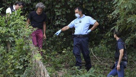 French gendarmes search for evidence around the garden of a man near Pont-de-Beauvoisin, eastern france, on August 30, 2017 after the disappearance of a 9-year-old girl.Police reinforcements arrived to take part in a fresh search of an area in the French Alps where a nine-year-old girl went missing during a family wedding at the weekend. Another 60 police joined teams on the ground searching around the village of Pont-de-Beauvoisin where Maelys de Araujo disappeared at 3:00 am (0100 GMT) on August 27. / AFP PHOTO / PHILIPPE DESMAZES
