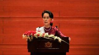 """Myanmar's State Counsellor Aung San Suu Kyi delivers a national address in Naypyidaw on September 19, 2017. Aung San Suu Kyi said on September 19 she """"feels deeply"""" for the suffering of """"all people"""" caught up in conflict scorching through Rakhine state, her first comments on a crisis that also mentioned Muslims displaced by violence. / AFP PHOTO / Ye Aung THU"""