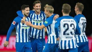 Hertha's players celebrate the 1-0 by Mathew Leckie (L) during the German Bundesliga soccer match between Hertha BSC and Bayer Leverkusen in the Olympiastadion in Berlin, Germany, 20 September 2017.   (EMBARGO CONDITIONS - ATTENTION: Due to the accreditation guidelines, the DFL only permits the publication and utilisation of up to 15 pictures per match on the internet and in online media during the match.) Photo: Soeren Stache/dpa